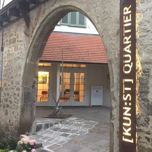 [KUN:ST] QUARTIERSchmalzstrasse 471229 Leonberg (Altstadt)Öffnungszeiten Donnerstag – Freitag   14 – 18 Uhr Samstag – Sonntag   11 – 16 Uhr
